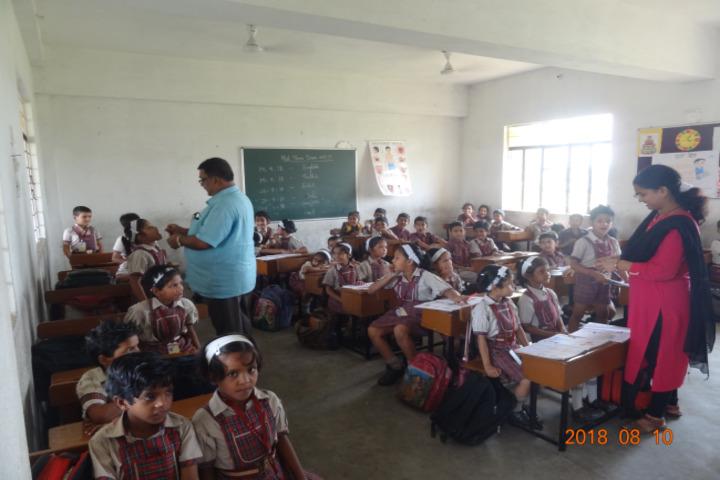 Geeta Devi Dav Public School-Classroom