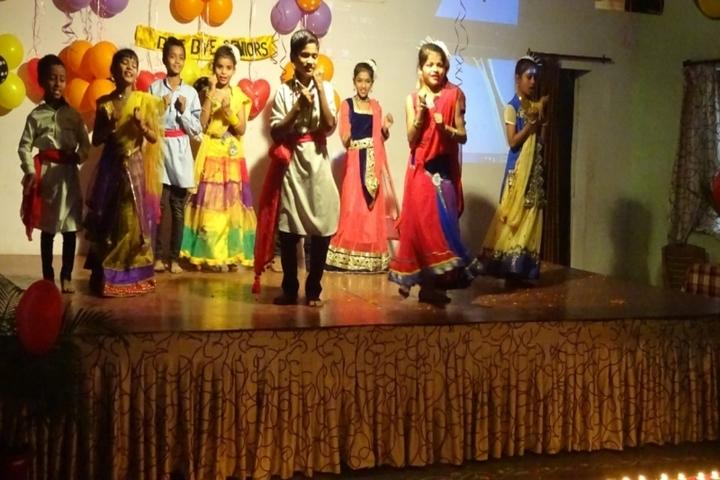 Govind Vidyalaya-Dance