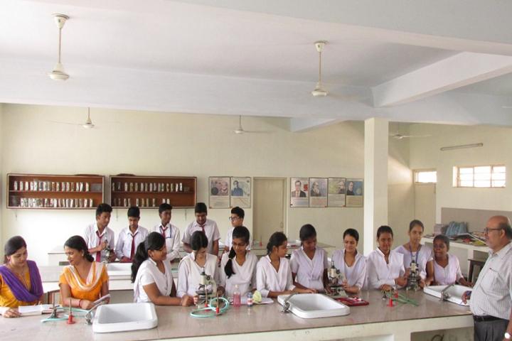 Guru Gobind Singh Public School-Biology Lab