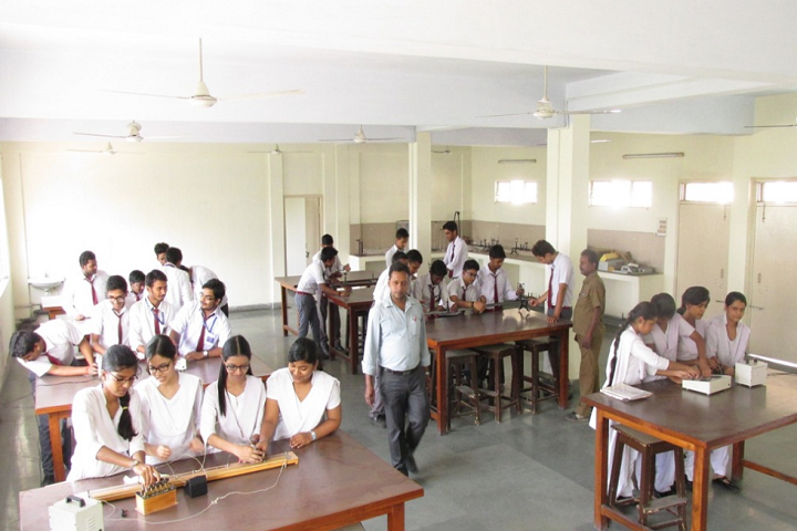 Guru Gobind Singh Public School-Physics Lab