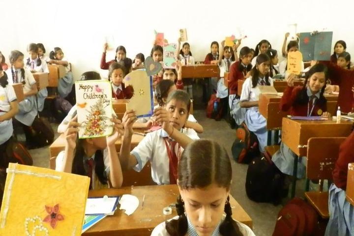 Guru Gobind Singh Public School-Greeting Card Making Competition