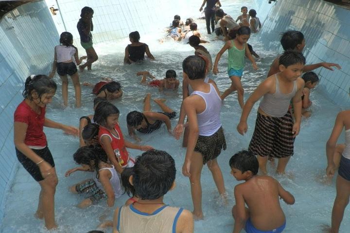 Guru Gobind Singh Public School-Swimming Pool