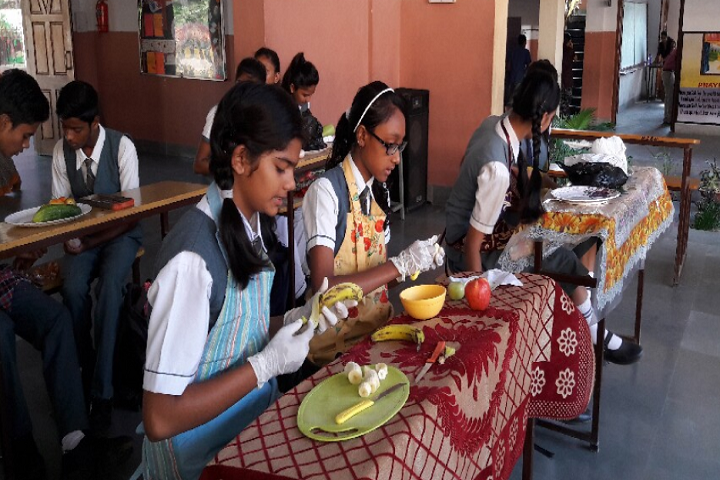 Holy Cross School-Salad Making Competition