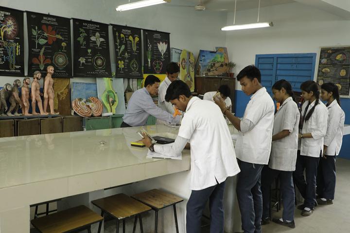 Kasidih High School-Biology Lab