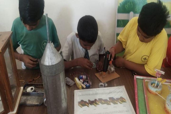 Mount Litera Zee School-Creative minds