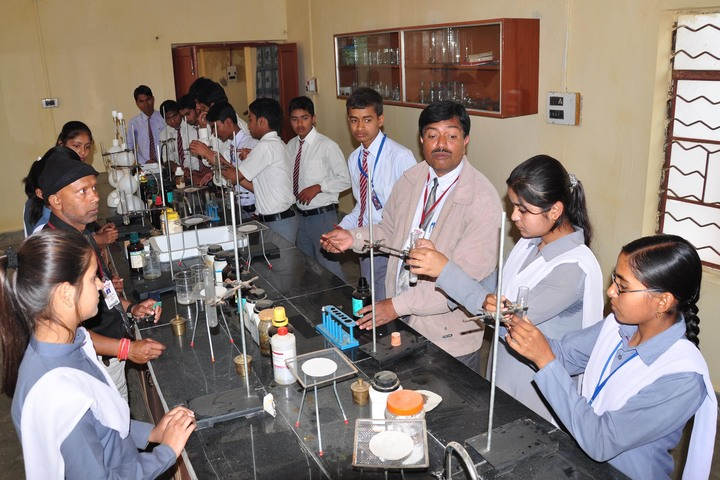 Munam Public School-Science Lab