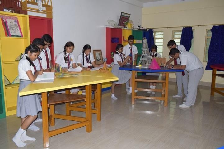 Sant Nand Lal Samriti Vidya Mandir-Physics Lab