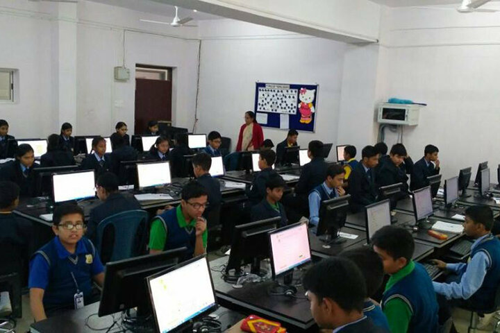 Sharda Global School-Computer Lab
