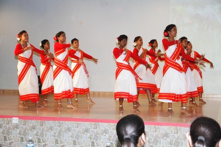 Shradhanand Bal Mandir Senior Secondary School-Dance