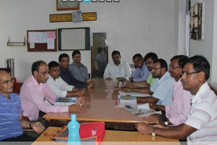 South Eastern Railway Inter College-Staff