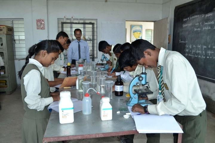 South Point School-Biology Lab
