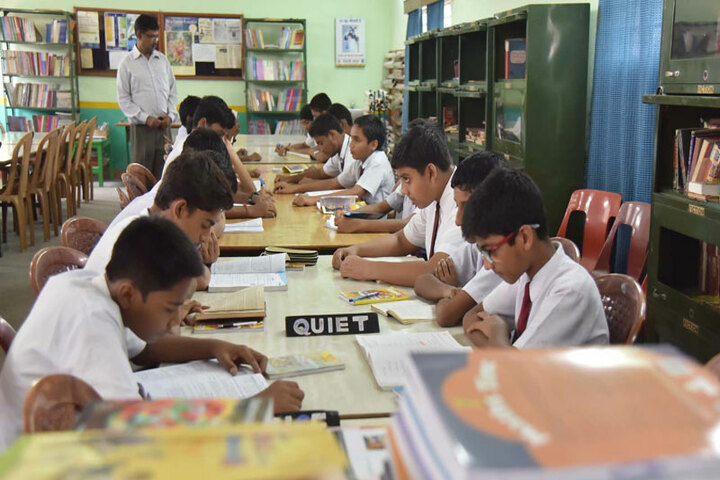 Sree Ayyappa Public School-Library