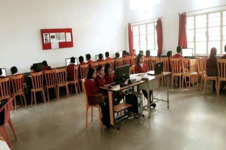 Tarapada Sarangi Dav Public School-Computer Lab