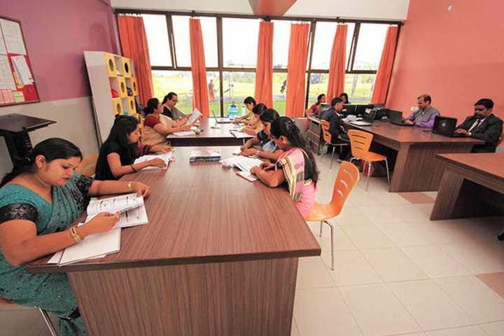 Taurian World City-Staff Room
