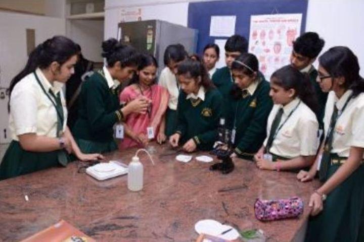 AECS Magnolia Maaruti Public School-Chemistry Labs