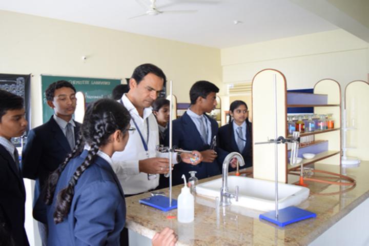 Aishwarya International Public School-Lab