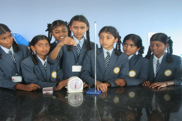 Akshara International Public School-Lab
