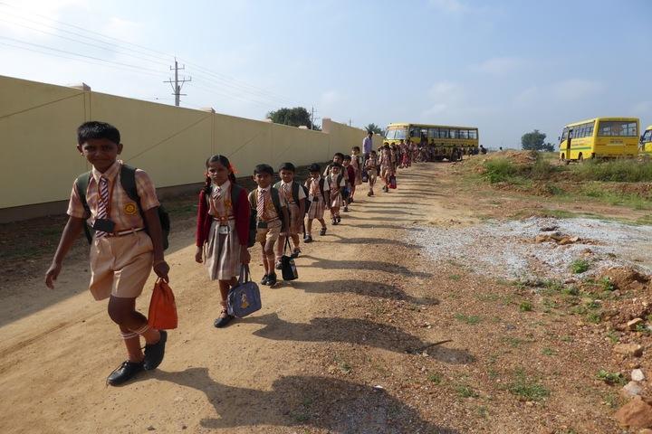 Badarikashrama Vidyashala-Students