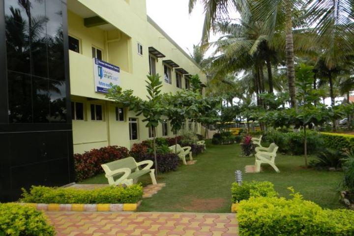 Bensons International Academy-Lawn