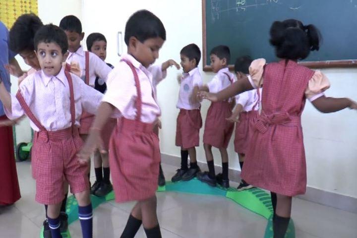 Bharatiya Vidya Bhavans Dr D Krishnamurthy Smt Shakuntalamma Memorial School-Classroom