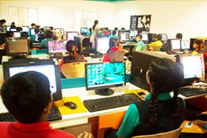 Cambridge School-Computer lab
