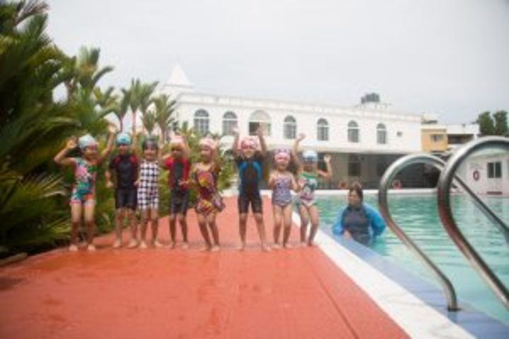 Cambridge School-Swimming Pool