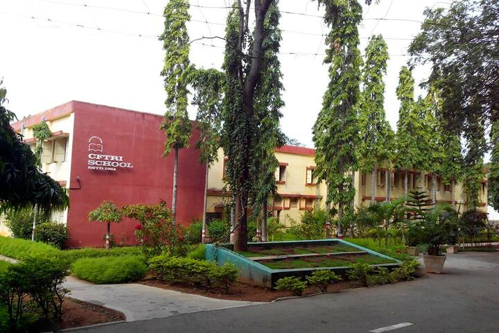 Cftri School-Campus