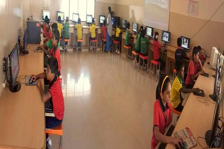 Chinmaya Vidyalaya-Computer lab1