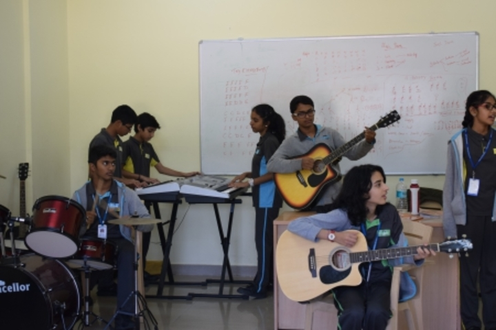 Chrysalis High-Musicroom