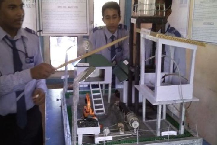 Central Public School-Lab