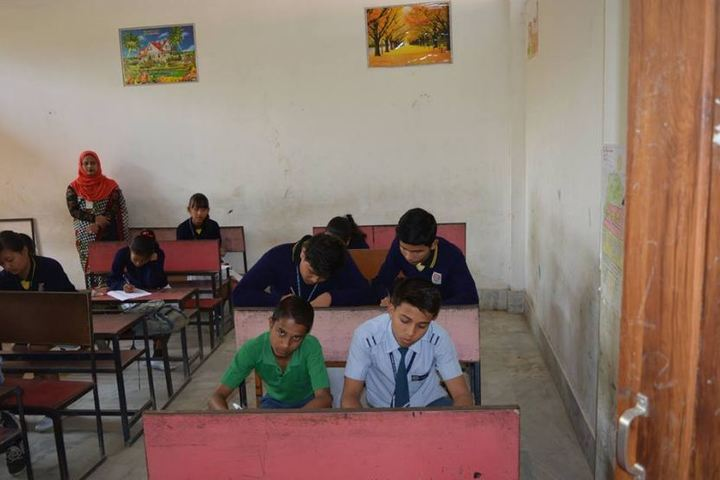 Central public school - classroom