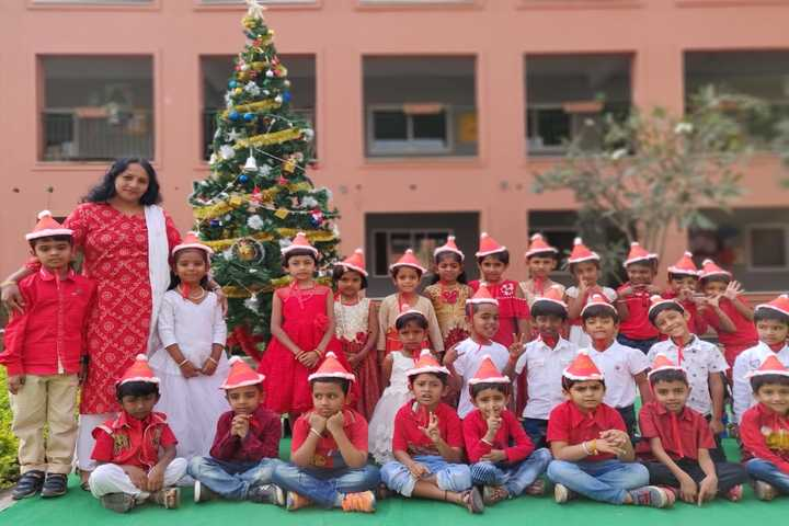 Green Bell High-Christmas Celebration