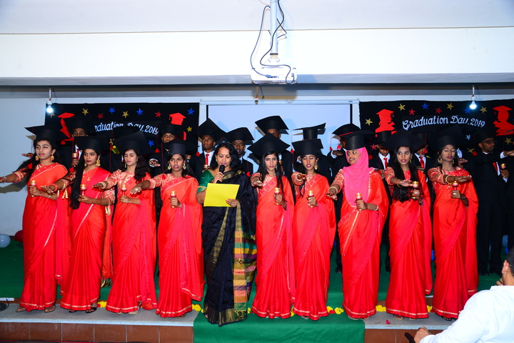 Green Bell High-Graduation Ceremony