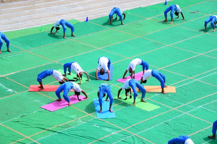 Green Bell High-Yoga Day