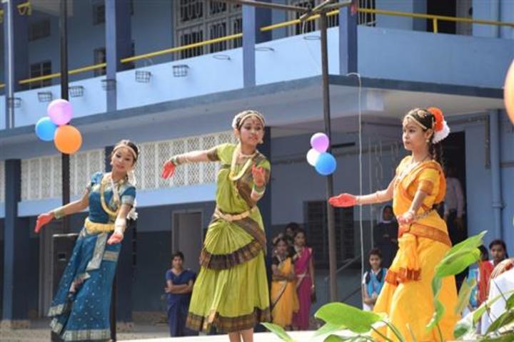 Christ Jyoti School-Traditional dance