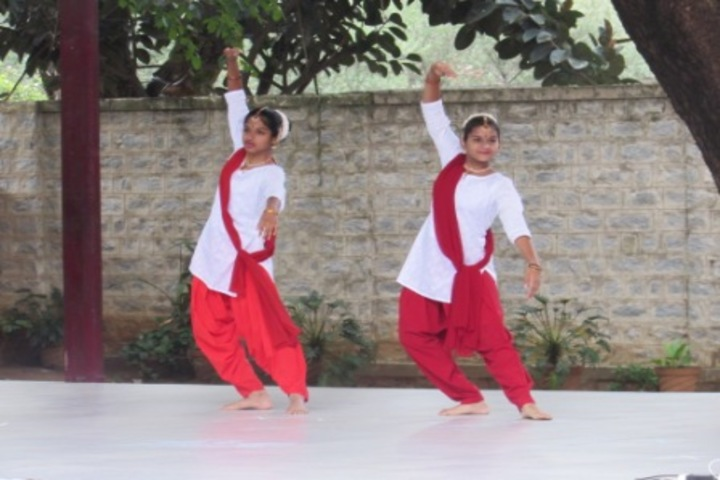 Hal Public School-Dance