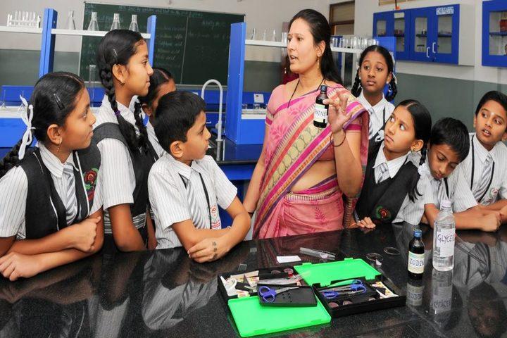 Janani Vidya Mandira-Biology Lab