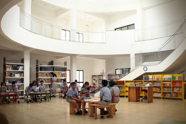 K L E  International School-Library