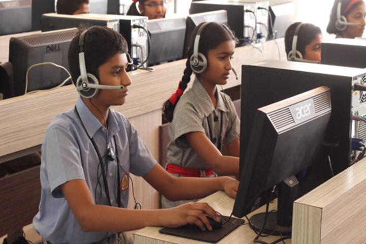 K L E Mahadevappanna Munavalli School- Computer lab