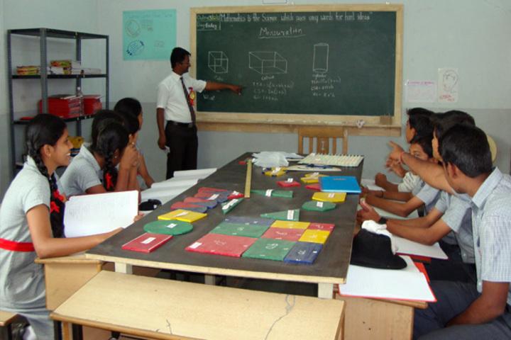 K L E Mahadevappanna Munavalli School- Maths lab