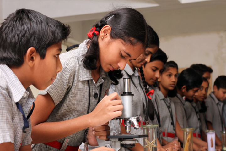 K L E Mahadevappanna Munavalli School- Science lab