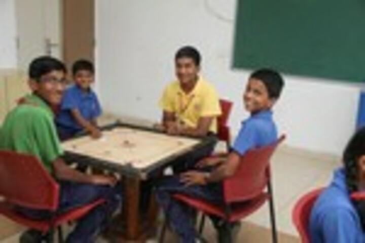 K L E Society School- Indoor games