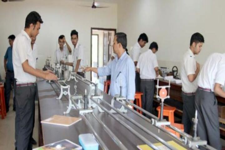 Faculty Higher Secondary School-Lab
