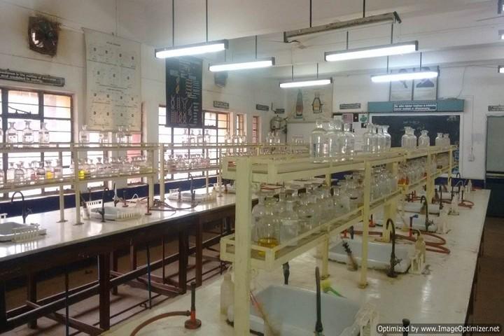 Kendriya Vidyalaya No 2- Chemistry lab