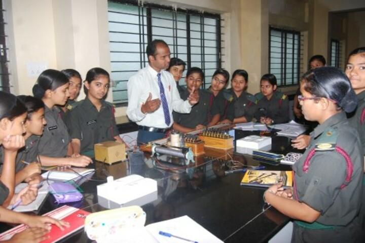 Kittur Rani Channamma Residential Sainik School For Girls-Physics lab