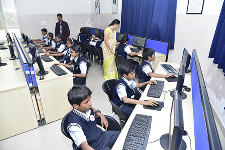 Kumadvathi Residential Central School-Computer lab