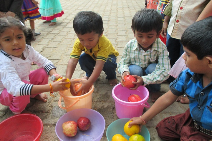 MHNational Public English School-Fruits Day
