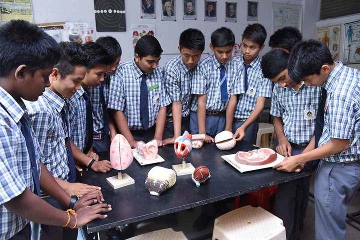 Mahabodhi School-Biology lab