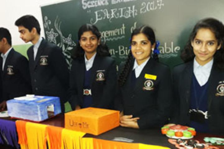 Mahajana Public School- Science exhibition