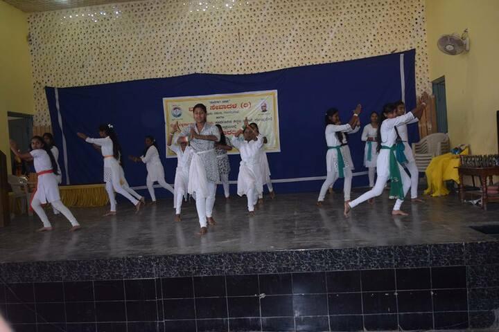 Manasa Vidyalaya-Dance